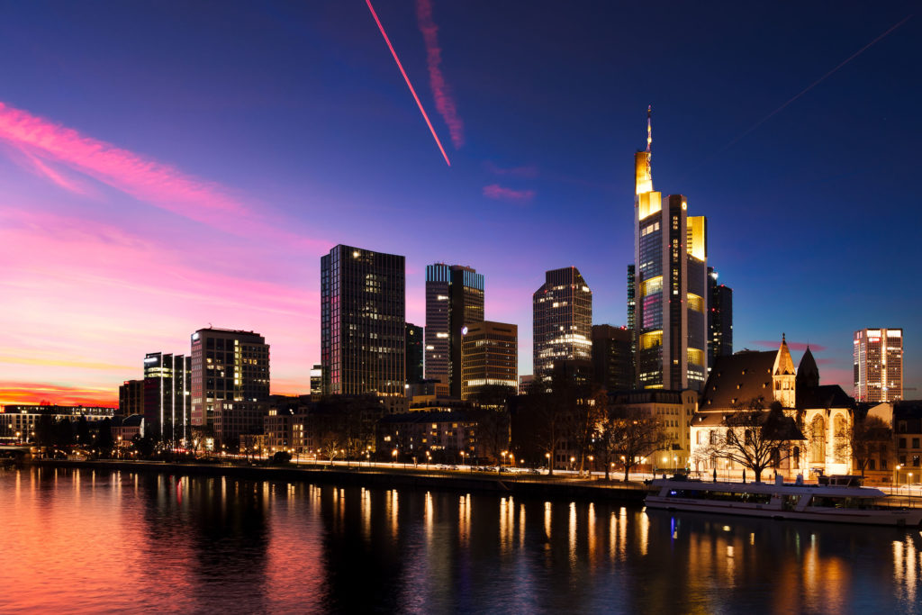 Skyline Frankfurt  It was a beatiful sunset in Frankfurt! The lights in and on the buildings, together with this stunning sky, created an awesome scene!  #frankfurt #frankfurtammain #frankfurtgermany #hessen #germany #main #skyline #sunset #dusk #sky #river #lightshow #longexposure #canon #canon80d